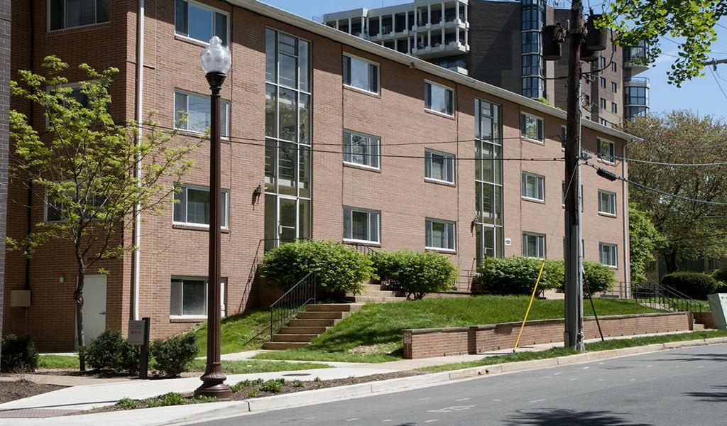 Junior 1 Bedroom Swansen Apartments Arlington Rosslyn Virginiaswansen Apts Arlington Va